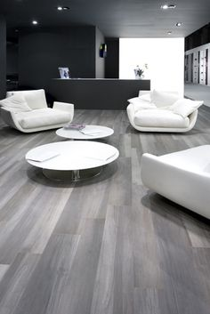 The beauty, versatility and durability of #porcelain #tile strikes again www.cercantile.com