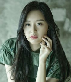 Kim ji won Korean Actresses, Korean Actors, Korean Celebrities, Celebs, Kim Ji Won, Female Character Inspiration, Attractive Girls, Kim Woo Bin, Miranda Kerr
