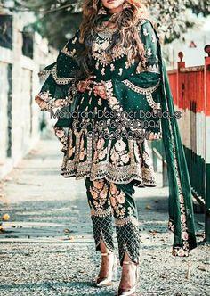 Beautiful Pakistani Dresses, Pakistani Dresses Casual, Pakistani Bridal Dresses, Indian Fashion Dresses, Dress Indian Style, Pakistani Dress Design, Afghan Clothes, Afghan Dresses, Punjabi Salwar Suits