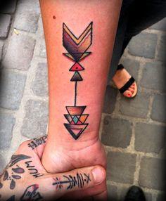 Arrow tattoo, I really dig this