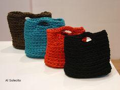 Bolsos de trapillo. Crochet bags.
