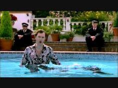 "David Tennant singing ""Should I stay or should I go"""