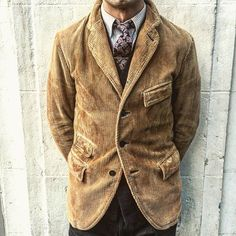 «Beating the cold in corduroy - Herren- und Damenmode - Kleidung Ivy League Style, Ivy Style, Gents Fashion, Fashion Men, Fashion Trends, Preppy Style, Look Cool, Sport Coat, Parka