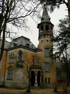 Abandoned Konstancin - Jeziorna in Piaseczno County, Masovian Voivodeship, Poland. http://www.staypoland.com/cityHistory.aspx?TownId=629