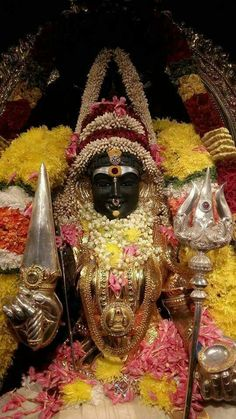 Hindu Deities, Hinduism, Kali Picture, Friday Wishes, Ganesha Art, Durga Maa, Goddess Lakshmi, God Pictures, Indian Gods