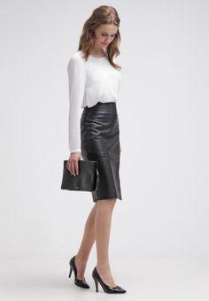 Niech wyróżnia Cię odważny styl! Skórzana spódnica z Zalando