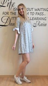 Bawełniana sukienka z troczkami by o la la