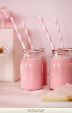 Gorgeous girly pink Strawberry Milkshakes with stripped straws. Pink Love, Pretty In Pink, Cute Pink, Tout Rose, Party Set, Pink Milk, Rose Pastel, Pastel Flowers, Pastel Colors