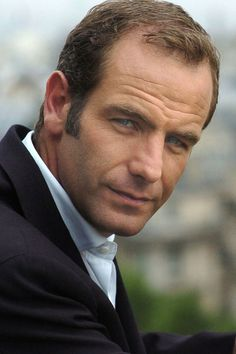 Robson Green (England) GREAT as TONY HILL the psychologist who gets inside of the minds of both killers and victims to aid the police in solving crimes. The TV Series 'Wire in the Blood' (made in the UK) is based on the books by Author 'Val McDermid' in her well renowned & very popular series of books of the same title/ name ('Wire in the Blood)'.