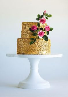 Making Your Cake Shine: Using Edible Glitter, Paint and Sparkle Dust - a craftsy tutorial