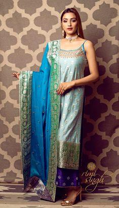 Shadi Dresses, Indian Dresses, Kurta Patterns, Dress Patterns, Pakistani Outfits, Indian Outfits, Banarasi Suit, Western Dresses, Indian Designer Wear