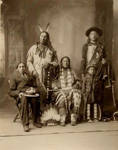 American Indians : American Horse and family - Oglala Nation 1898.