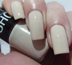 Pretty Girl Science: Maybelline Color Show Sandstorm Neutral Nail Polish, Color Show, Maybelline, Pretty Girls, Nail Colors, Swatch, Finger, Manicure, Science