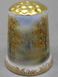 Angela Mamontova. 2014. Porcelana pintada a mano. Rusia. Thimble-Dedal-Fingerhut.
