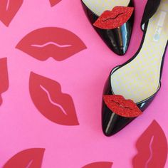 tomorrow is #nationallipstickday,and obviously your shoes need to get ready for the party! Visit the blog for the easy tutorial!