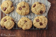 chocolate chip cookies made with almond flour & coconut flour.