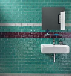 I just love brick style tiles because they remind me of New York loft bathrooms and the London Underground – classic looks from two of my favourite cities Mid Century Modern Bathroom, Retro Bathrooms, Art Deco Bathroom Tile, Tiles, Bathroom Styling, Victorian Bathroom, Brick Style Tiles, Loft Bathroom, Loft Style