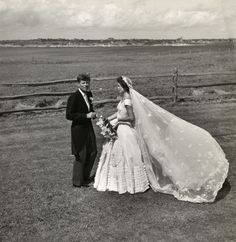 John F. Kennedy and Jacqueline Bouvier on their wedding day 1953 photo - by Toni Frissell