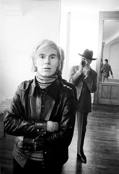 Andy Warhol na Factory | by Cecil Beaton. http://semioticas1.blogspot.com.br/2013/01/o-primeiro-warhol.html