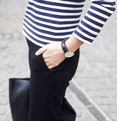 Boat stripes with black. Style Blog, Style Me, Minimal Chic, Minimal Classic, Effortless Chic, Street Style, Vogue, Fashion Details, Everyday Fashion