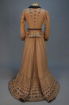 Old Rags - Promenade dress, ca Edwardian Clothing, Edwardian Dress, Antique Clothing, Victorian Dresses, Victorian Ladies, 1900s Fashion, Edwardian Fashion, Vintage Fashion, Edwardian Style