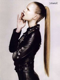Model in sleek Ponytail and black leather. Sleek Hairstyles, Ponytail Hairstyles, Straight Hairstyles, Hair Ponytail, Updos, Slick Ponytail, Straight Ponytail, Dark Fashion, Leather Fashion