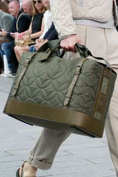 Louis Vuitton Spring 2012 Menswear Fashion Show Luxury Handbags, Fashion Handbags, Fashion Bags, Mens Fashion, Cheap Handbags, Designer Handbags, Satchel Handbags, Louis Vuitton Handbags, Wholesale Handbags