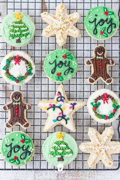 The BEST Buttercream Frosting for Sugar Cookies (that hardens!) - The American Patriette The BEST Buttercream Frosting for Sugar Cookies (that hardens! Sugar Cookie Buttercream Frosting, Cookie Icing That Hardens, Buttercream Decorating, Sugar Cookie Icing, Cookie Decorating, Buttercream Frosting Cookies, Crusting Buttercream, Christmas Sugar Cookies, Holiday Cookies