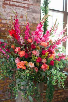 Altar Flowers, Church Flowers, Beautiful Flower Arrangements, Cut Flowers, Fresh Flowers, Floral Arrangements, Beautiful Flowers, Wedding Flowers, Grave Flowers