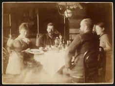 Skagen painters at the dinner table.  (Anna Ancher, P.S. Krøyer)