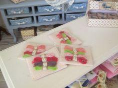 5 embroidery dollhouse miniature scale 1:12 por WyrnasMiniatureB