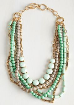 Yes You Glam Necklace in Mint