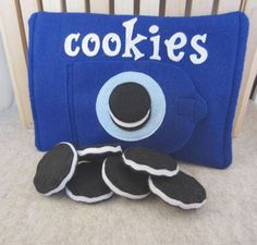 Felt Food Cookie Set - 6 Cookies with Velcro Close Bag SALE. $12.00, via Etsy.