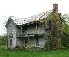Abandoned House - Madison County, Arkansas by danjdavis, Abandoned Farm Houses, Old Abandoned Buildings, Old Farm Houses, Old Buildings, Abandoned Places, Old Mansions, Abandoned Mansions, Creepy Old Houses, Architecture Old
