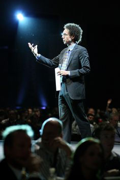 Malcolm Gladwell live at the 2009 Discovery Invest Leadership Summit. Later coined the crowd favourite for the day.