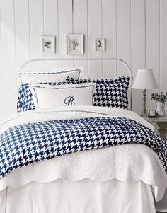 Houndstooth guest room is a MUST in the Stacy household, OBSESSED! navy houndstooth bed cover, incredible!!!