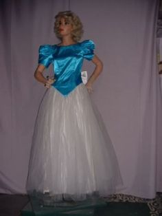 Vintage 80s prom gown, Aqua acetate top, multi layered white tulle skirt, keyhole, size 5-6