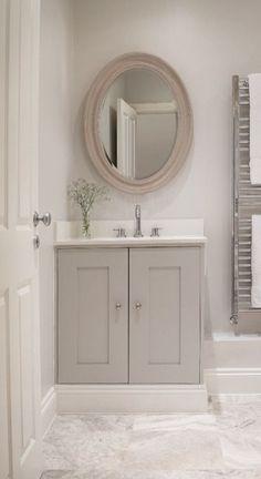 Small Bathroom Renovation Ideas I really like doing this. Family Bathroom, Small Bathroom, Master Bathroom, Bathroom Canvas, Bathroom Wall, Bad Inspiration, Bathroom Inspiration, Bathroom Renos, Bathroom Interior