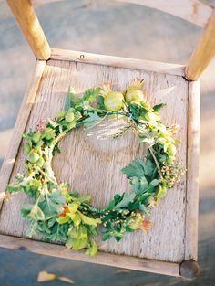 #fineartweddings #fineartphotography #weddingdecor #flowercrown