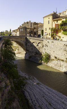 Roman bridge in Vaison la Romaine France [OC] (495 x 800) - see http://www.classybro.com/ for more!
