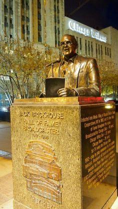 Jack Brickhouse statue @ Chicago.