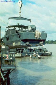 Vietnam History, Vietnam War Photos, Scale Model Ships, Scale Models, Brown Water Navy, Military Diorama, United States Navy, Navy Ships, Vietnam Veterans