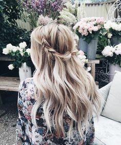 Lauren Conrad Long Blonde Down Wavy Braided Hairstyle