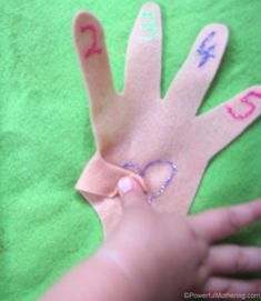 Counting Hands No Sew Quiet Book Page from PowerfulMothering.com
