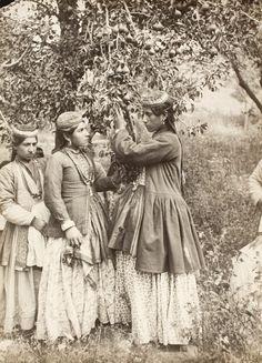 Iranian women in Qajar era