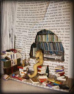 Dig into Reading display idea. Summer Reading. Library Miniatury..Bookworm