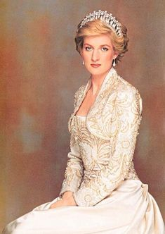 Google Image Result for http://www.forum.princess-diana.com/userpix/85_Diana_high_fashion_3.jpg