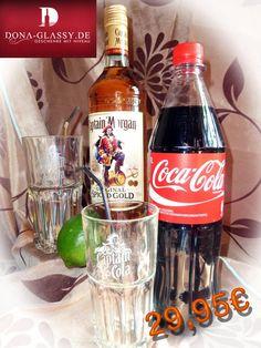 Mit dieser Geschenkidee hat man alle Zutaten für einen gelungen Cocktailabend.Das Geschenkset besteht aus einer Flasche Captain Morgan Rum, 1 Liter Cola, einer frischen Limette, zwei Cocktailgläser und Strohhalmen.