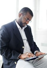 4 tips for preventing neck strain when using a tablet computer (or iPad).
