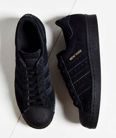 pretty nice 5706d 0f6a0 Adidas City Series New York - Taille 39 Adidas Black Sneakers, Black  Sneakers Outfit,
